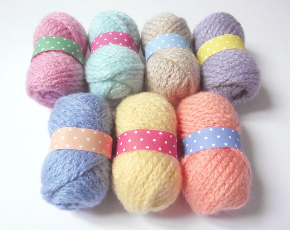 Yarn Type For Amigurumi : Fake skein of yarn amigurumi - Petits Pixels