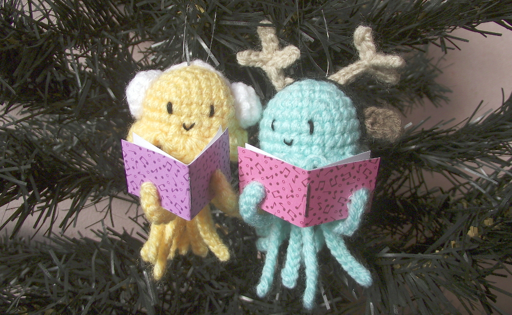 crochet jellyfishes 01