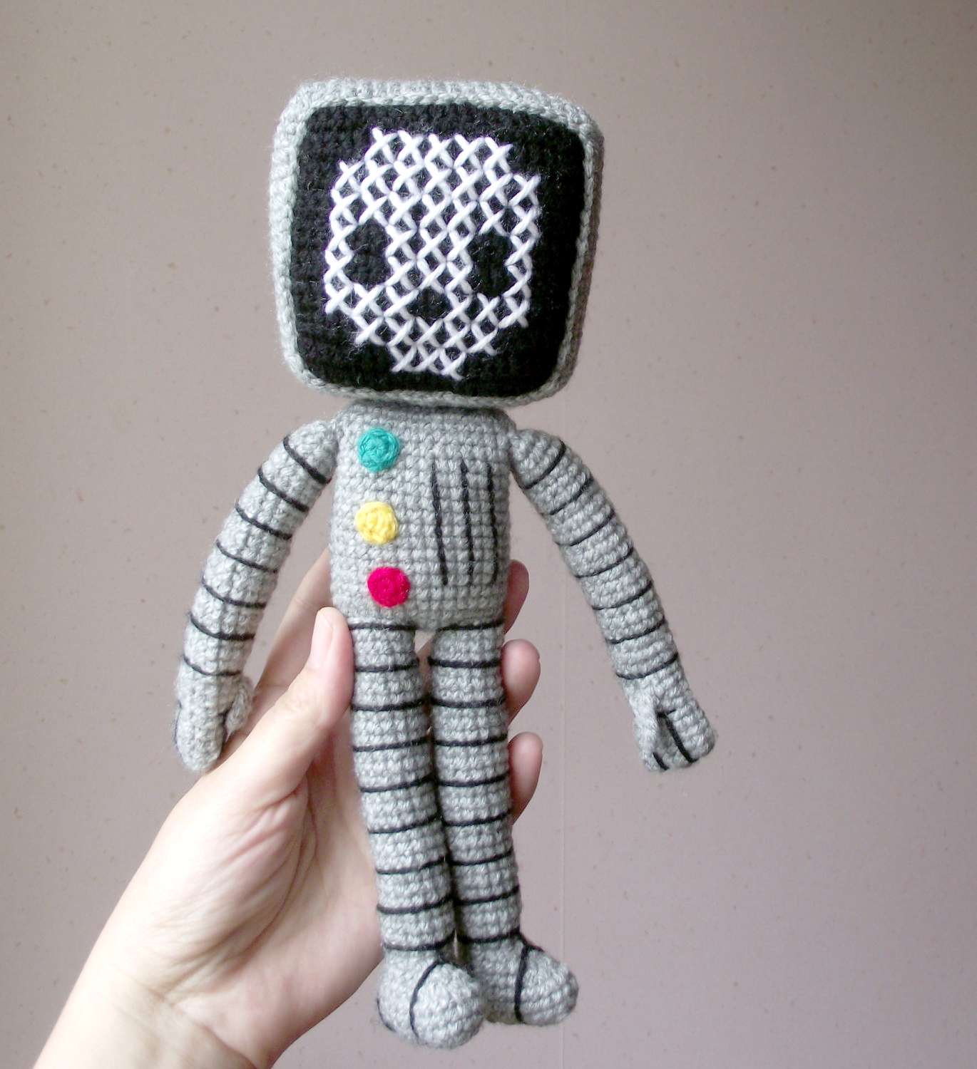 roger the robot amigurumi 01