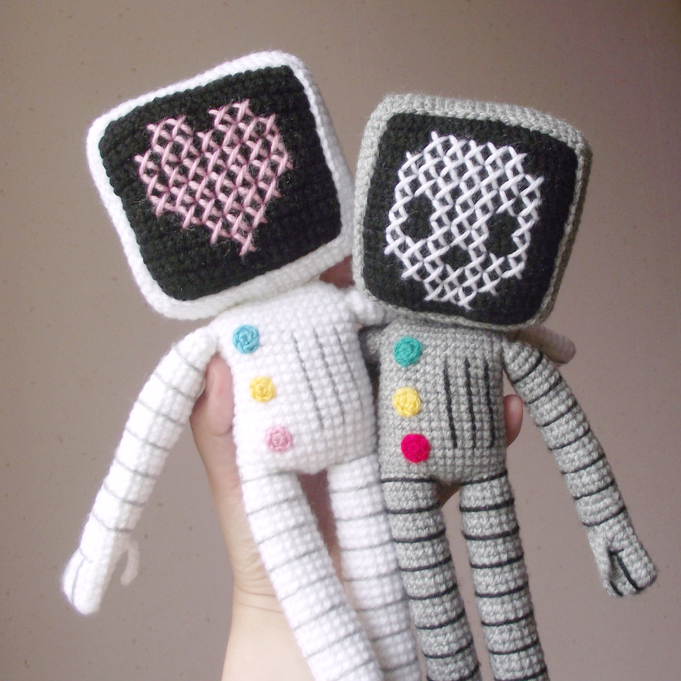 roger the robot amigurumi 02