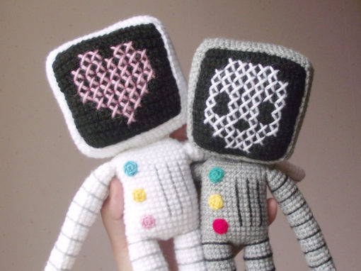 Roger the robot amigurumi