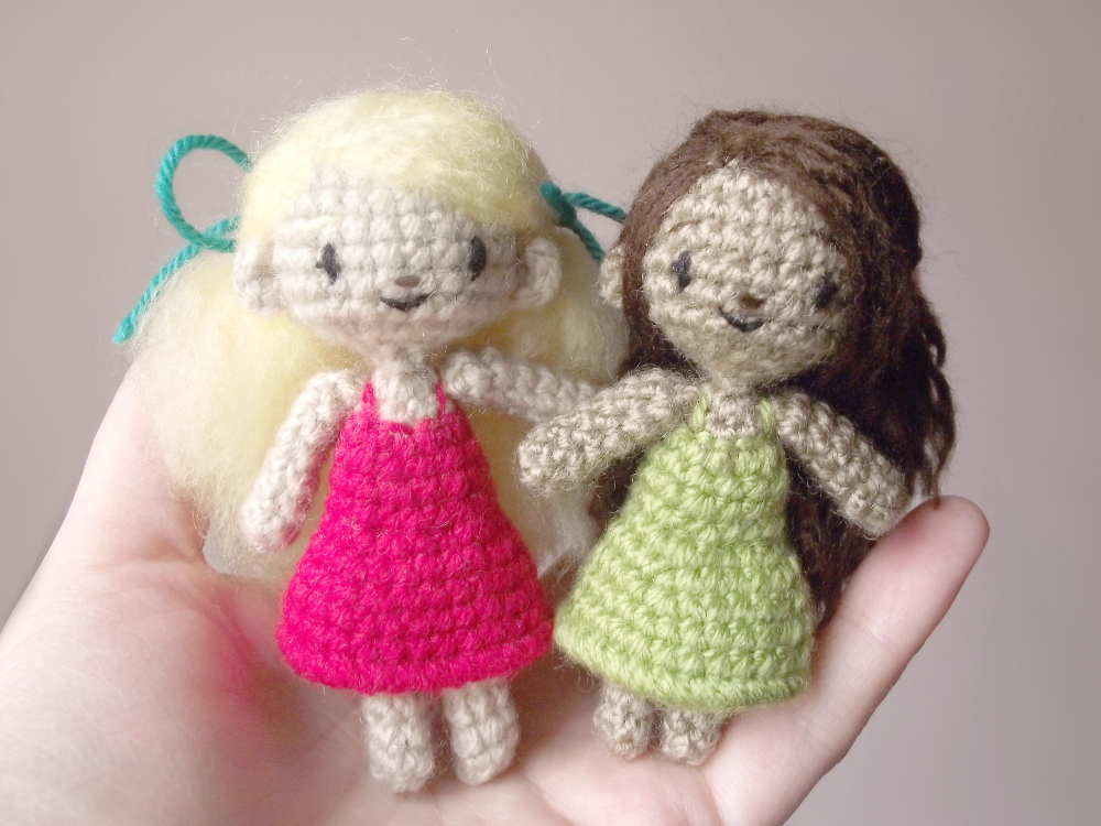sidonie the small crochet doll 02