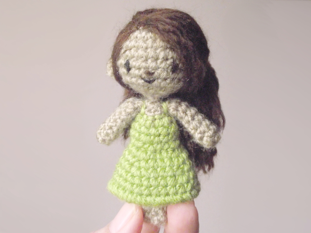 sidonie the small crochet doll 04
