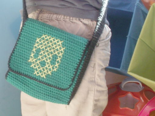 Small crochet messenger bag