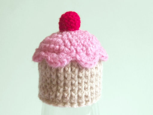 Tiny cupcake hat – Free crochet pattern