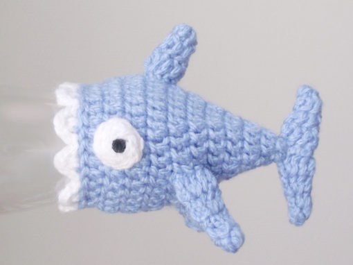 Tiny shark hat – Free crochet pattern